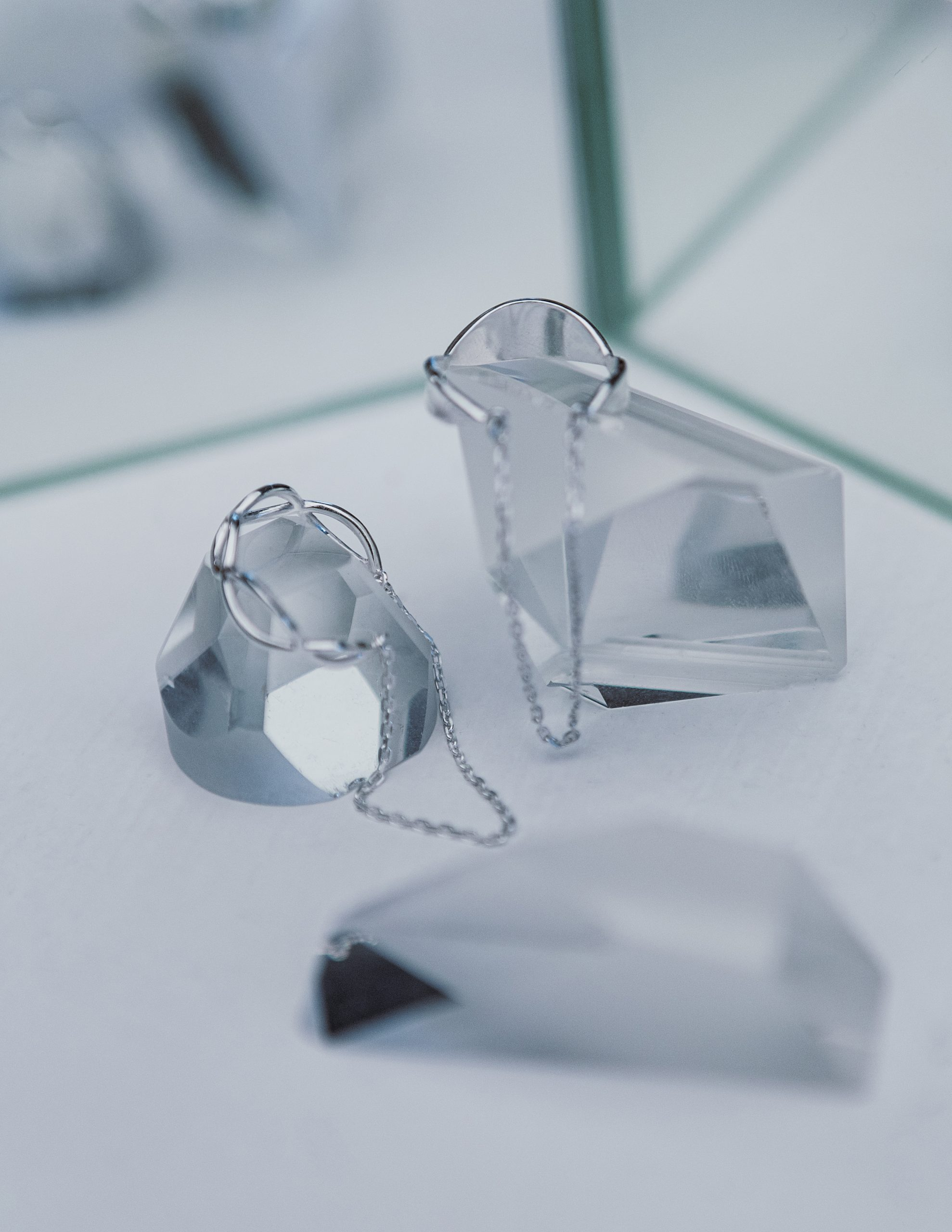 Ажурное кольцо с цепочкой