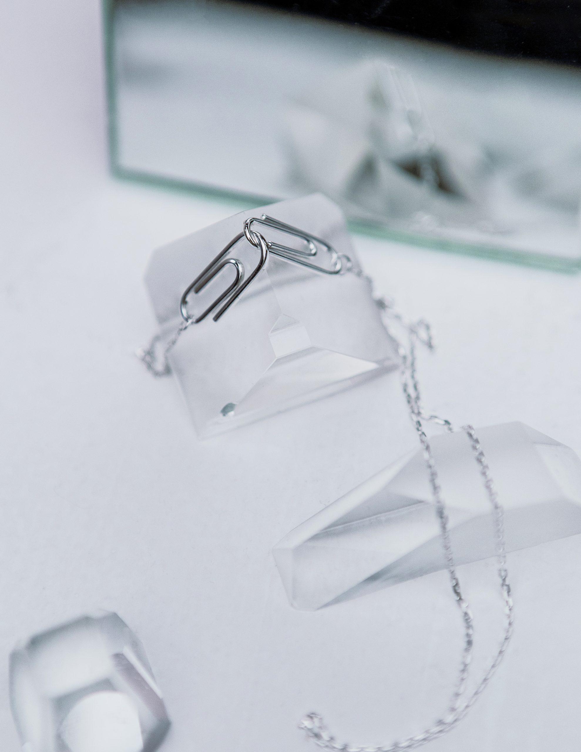 Ожерелье 2 скрепки
