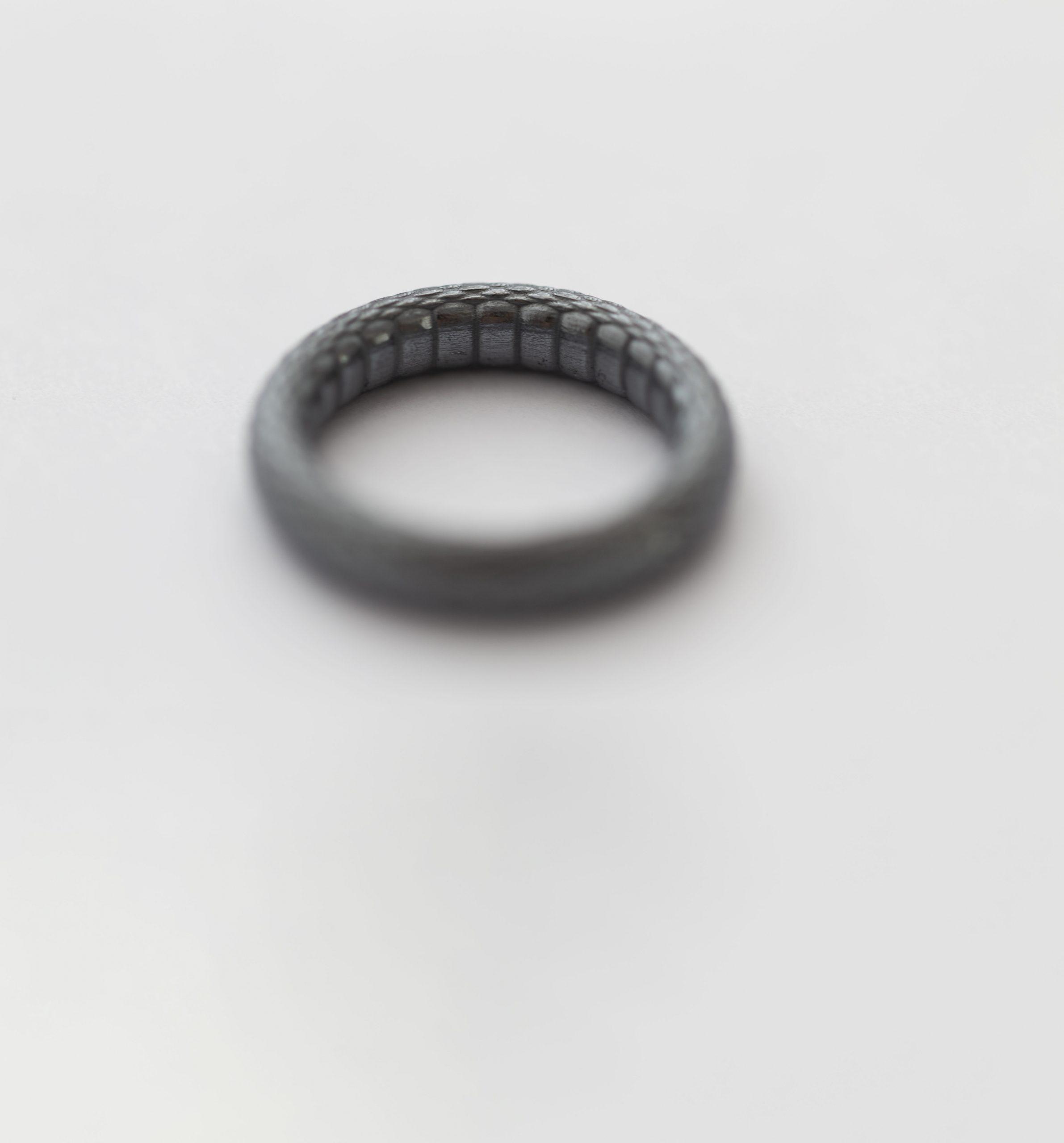 Кольцо Оборот змеи